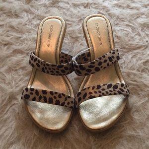 Liz Claiborne gold sandal with leopard print strap